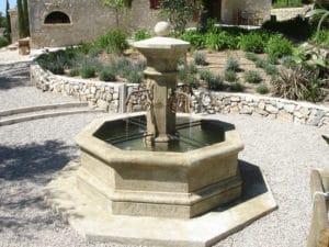 Fontaine Centrale Octogonale